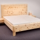 Doppelbett Hocheck mit extra hohem Kopfhaupt in Rahmenbauweise und optional angesetzten Nachtkästchen - Original Steiner Zirbenbett