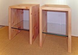 Zirbenholz-Nachttisch in Plattenbauweise, Schublade mit mit Glasboden für Steiner Zirbenbett