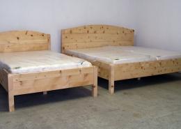 Beispiele für Original Steiner Zirbenbetten in Sondermaßen, Jedes Modell kann in Breite, Länge, Sitzhöhe, Form, Stabilität der Ausführung angefertigt werden